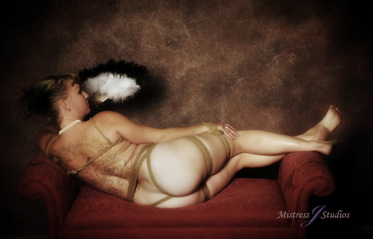 ImNude woman by Mistress J Studios